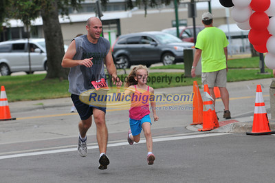 10K Finish - 2012 Plymouth YMCA Father's Day Run