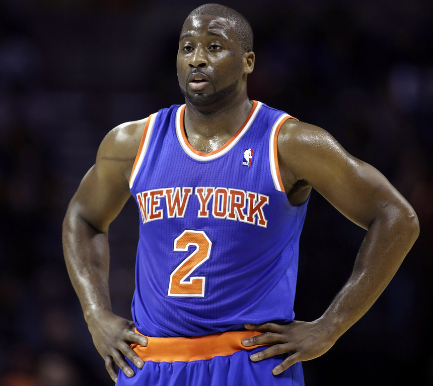 ". <p>6. (tie) RAYMOND FELTON <p>Gun-toting Knick asking Plaxico Burress for tips on New York prison life. (unranked) <p><b><a href=\'http://www.twincities.com/sports/ci_25222442/raymond-felton-new-york-knicks-guard-arrested-gun\' target=""_blank\""> HUH?</a></b> <p>   (AP Photo/Nell Redmond)"