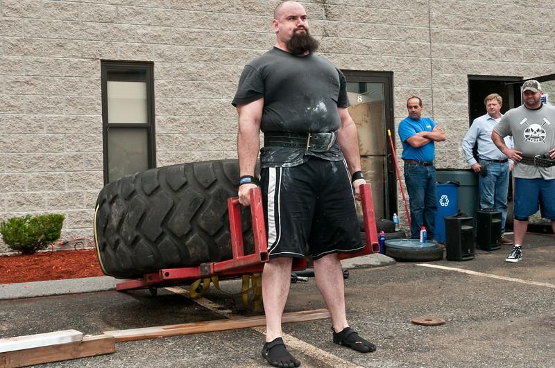 Fitness Revolution Strongman Challenge 2011_ERF3876.jpg