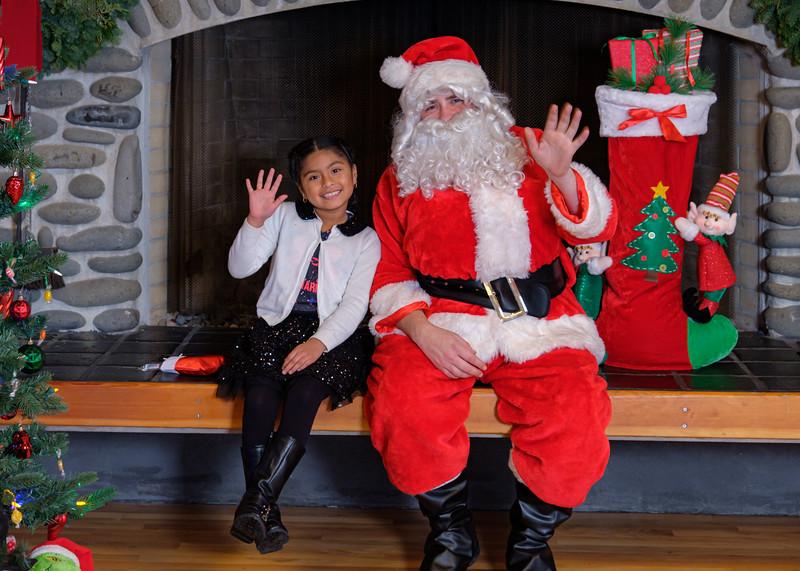CB Santa 2019-7978.jpg