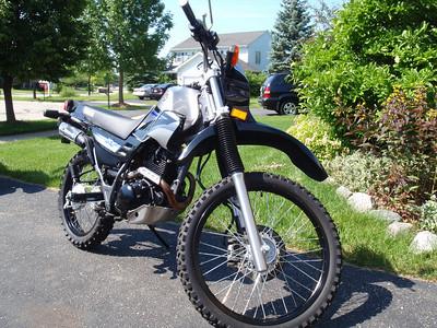 2005 XT225