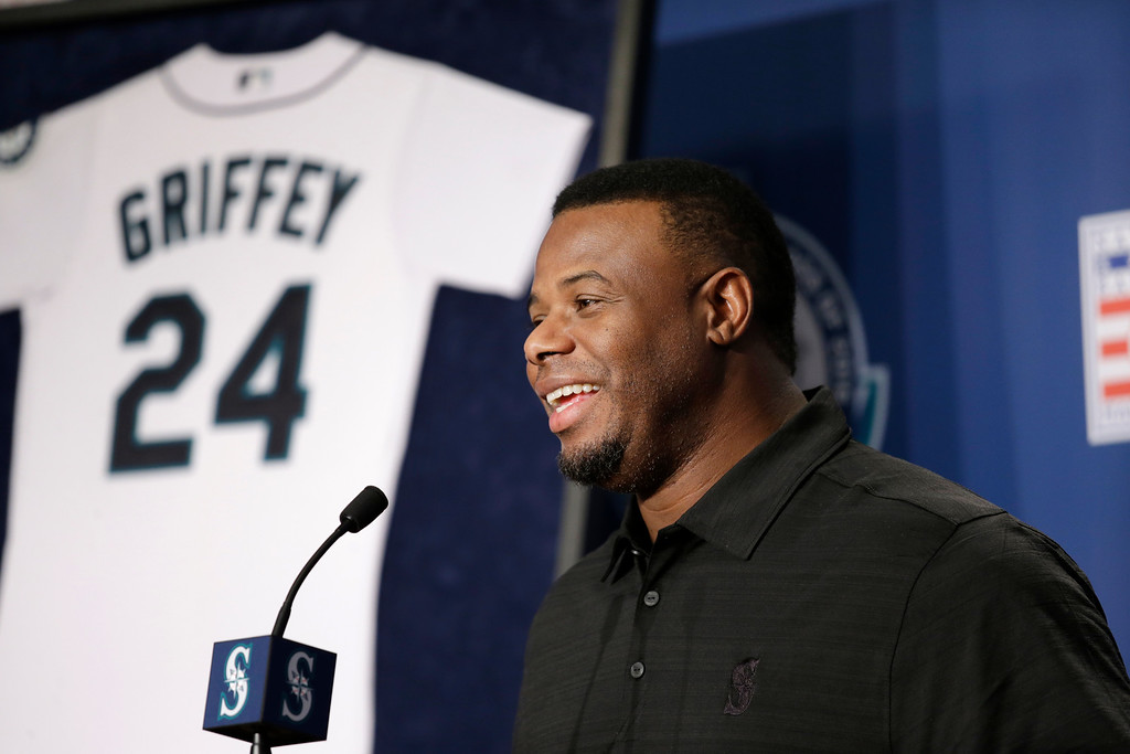 . Former Seattle Mariners\' Ken Griffey Jr. speaks at a news conference Friday, Jan. 8, 2016, in Seattle. Griffey\'s Hall of Fame whirlwind came back to where it all started, when he spoke at Safeco Field, the stadium built in part because of him. (AP Photo/Elaine Thompson)