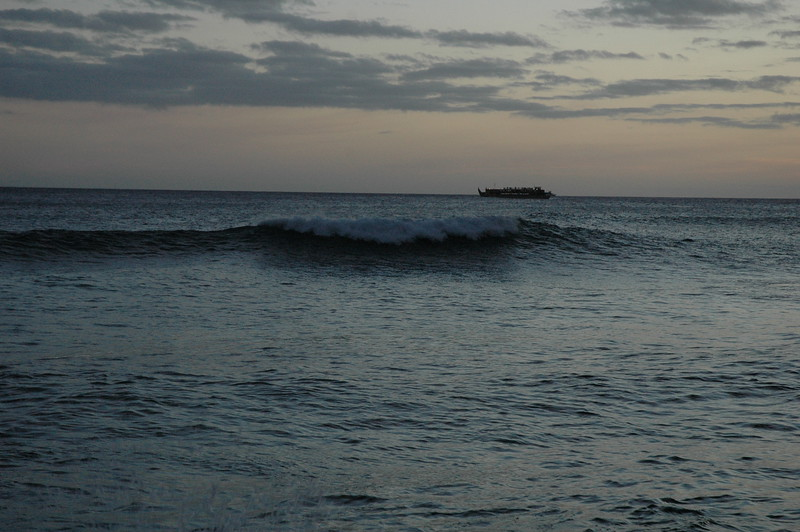 Hawaii - Ala Moana Beach Sunset-178.JPG