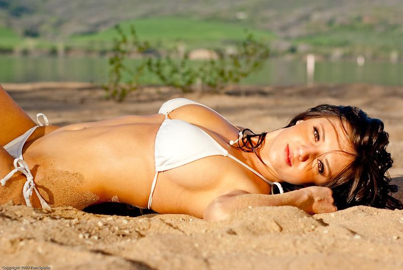 Deanna white bikini-8425.jpg