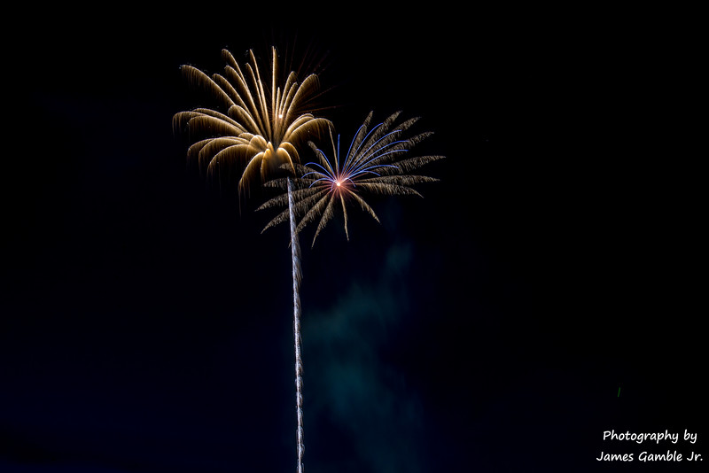 Fourth-of-July-Fireworks-2016-0343.jpg