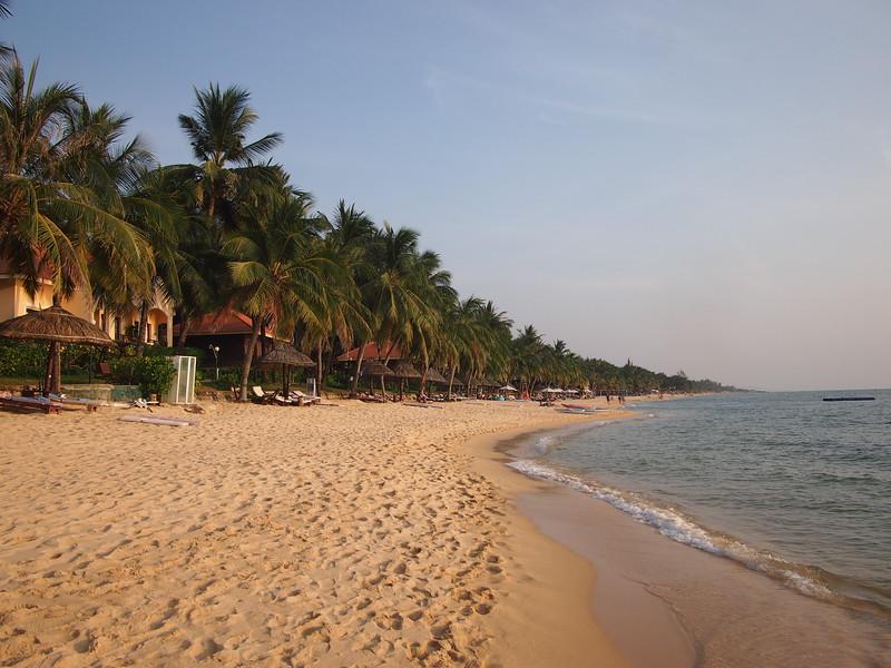 P1297038-long-beach.JPG