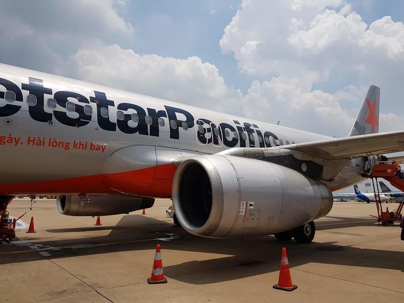 20180526_114727-jetstar-tarmac-boarding.jpg