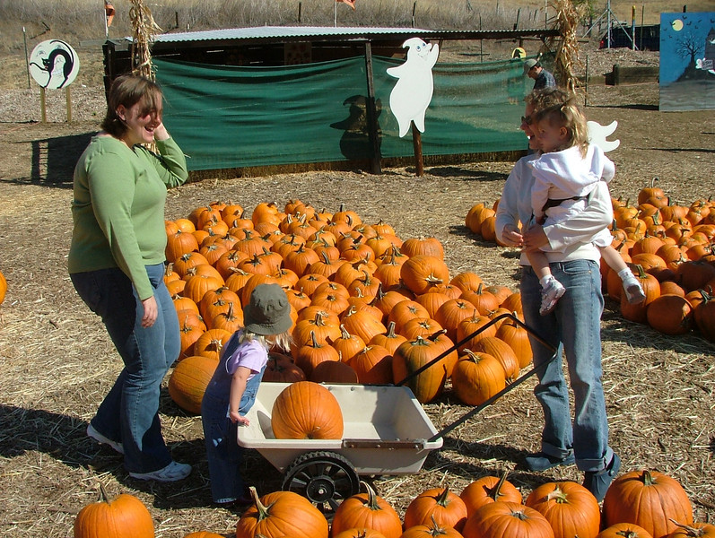 Sammy, Meri, and the Moms at the Clayton Valley Pumpkin Patch