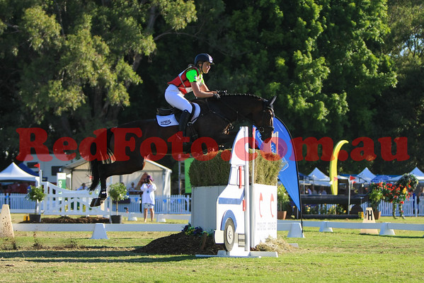 2016 12 10 Eventing in the Park Grand Prix 23 Gabreille Pither Forgetmenot