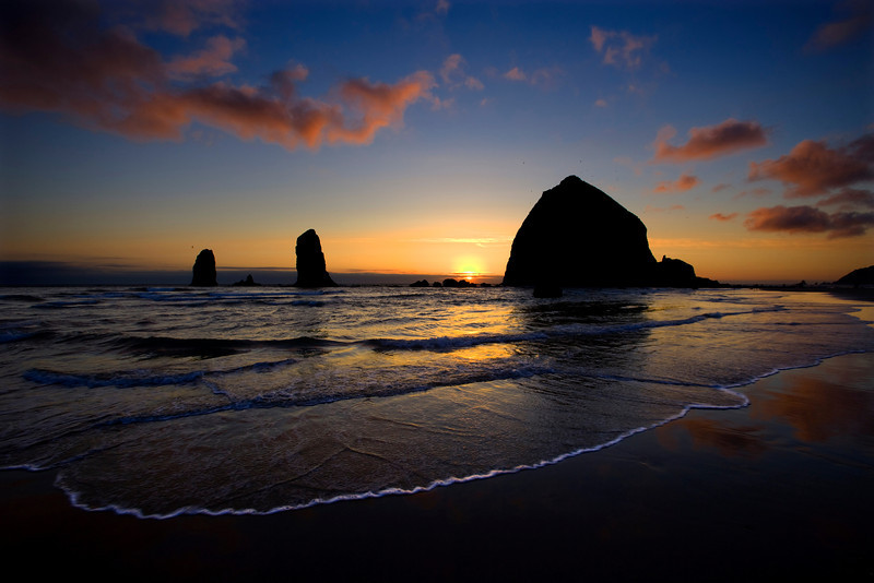 XK4L0594 Canon Beach with wave-Edit.jpg