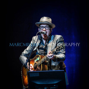 Elvis Costello solo @ Capitol Theatre (Tue 11/12/13)