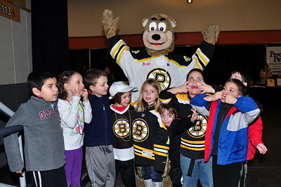 2013-01-20 - Anya's Brithday at the Providence Bruins