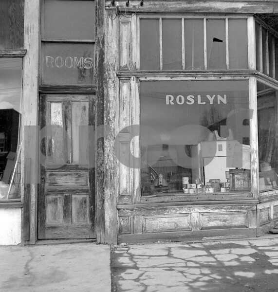 The door to the Roslyn Hotel on Febuary 14, 1973.