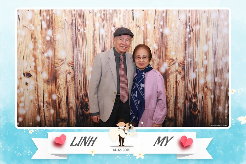 Linh-My-wedding-instant-print-photo-booth-in-Ha-Noi-Chup-anh-in-hnh-lay-ngay-Tiec-cuoi-tai-Ha-noi-WefieBox-photobooth-hanoi-16.jpg