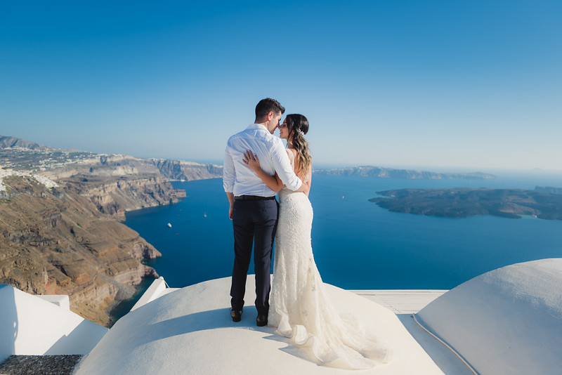 Honeymoon-photographer-santorini-post-wedding-session-Anna-Sulte-5.jpg