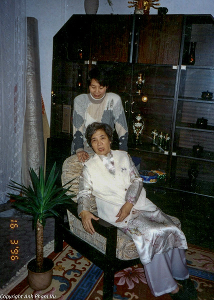Ba Tan Visit 90s 33.jpg