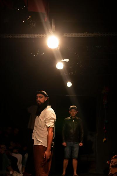 Allan Bravos - Fotografia de Teatro - Indac - Migraaaantes-248.jpg