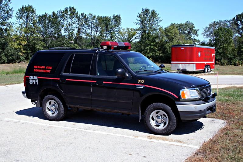 MEQUON FD  CAR 952.JPG