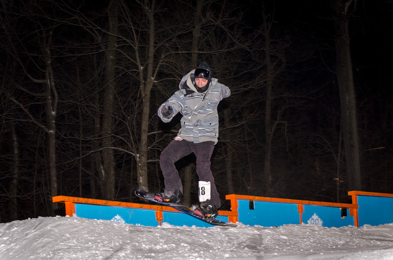 Nighttime-Rail-Jam_Snow-Trails-18.jpg