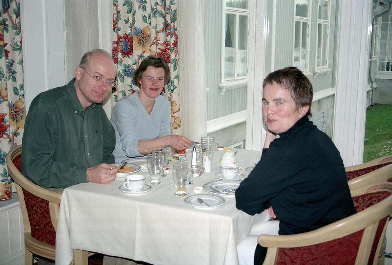 2002-02-16-0009.jpg