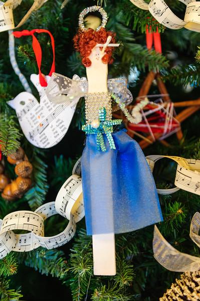 20151215 Faith Formation Christmas Tree-6091.jpg