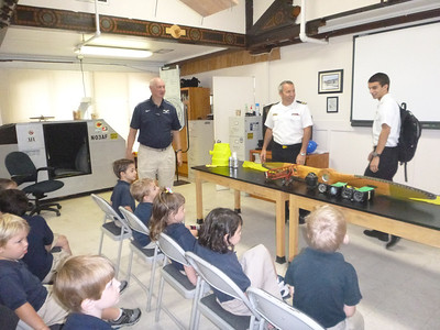 PreK Visits the Aviation Lab