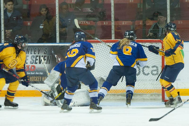 20130310 QWHockeyvsUBC 569.jpg