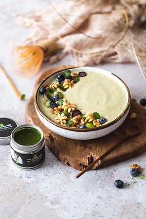 Kumiko Matcha smoothie bowl