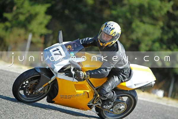 #17 - Yellow 748