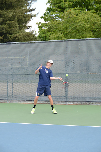 menlo-tennis-2013-boys 11.jpg