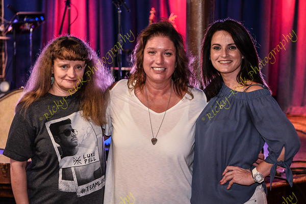 2017-08-17 - Luke Pell in Concert at Blueberry Hill