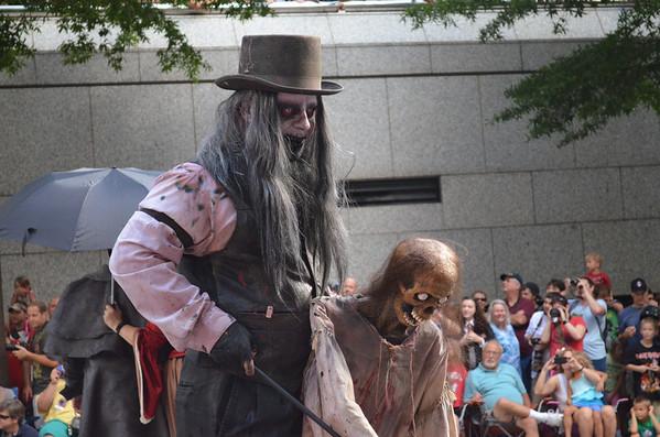 09-01 - Dragon*Con Parade - Atlanta, GA