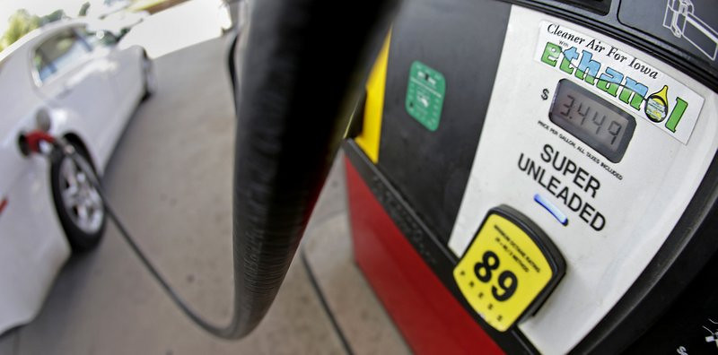 """. <p>5. ETHANOL <p>Don�t worry. It�s only destroying SOME of the environment. (unranked) <p><b><a href=\'http://www.newspressnow.com/news/nation_and_world/article_db3e12e2-f254-5b41-a0e6-17a344aafb96.html\' target=\""""_blank\""""> HUH?</a></b> <p>    (AP Photo/Charlie Riedel)"""