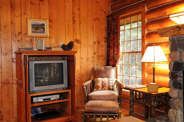 Ennis Homestead Yellowstone Cabin