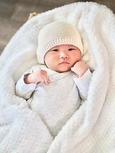 Newborn: Noah