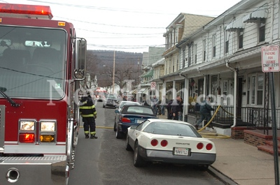 SHAMOKIN STRUCTURE FIRE 3-12-08 PICTURES BY MIKE STAUGAITIS