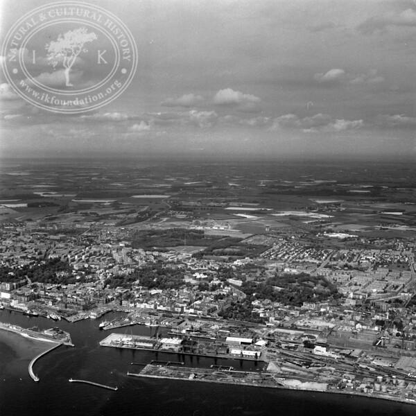 Helsingborg City with Harbor   EE.1202