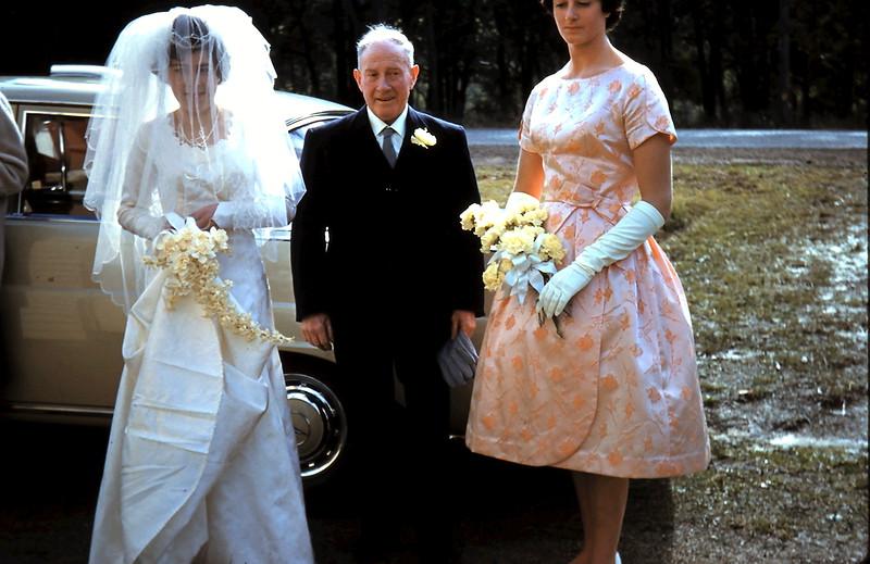 1961-8-19 (17) Mary, Dad & Elaine.JPG