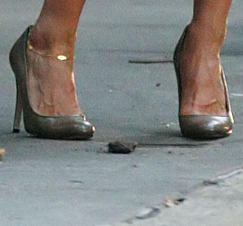 2009-07-16 - Jennifer Aniston
