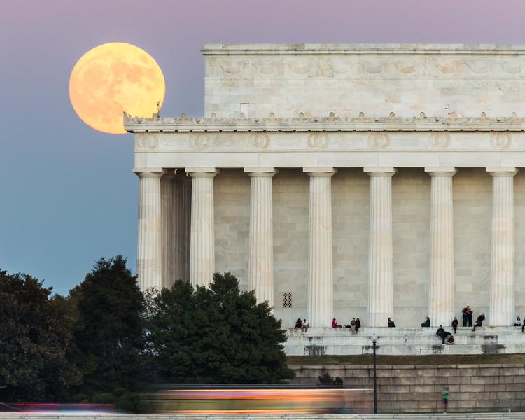 Supermoon rises above Lincoln Memorial, Washington, DC