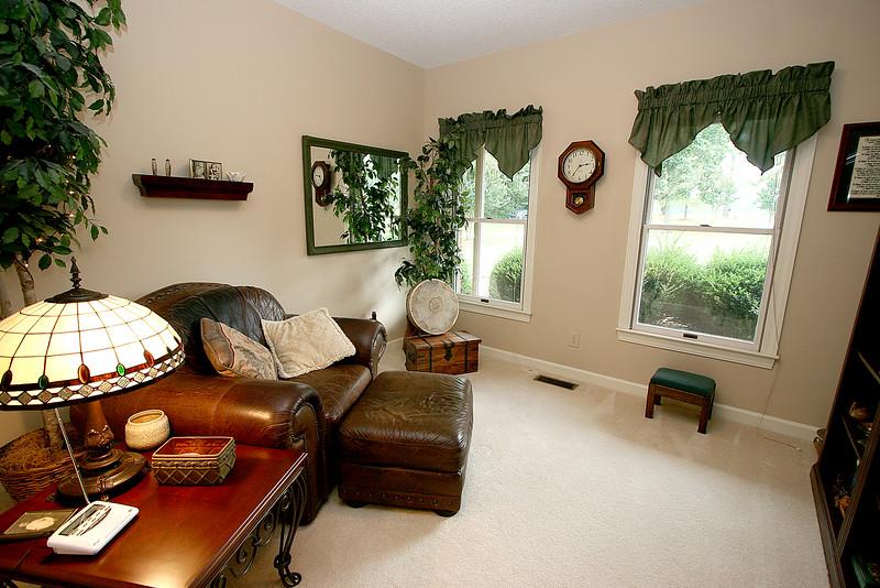 masterbedsitting room.jpg