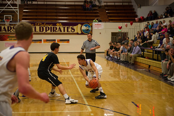 2014 MHS BOYS BB vs SOUTH UMPQUA