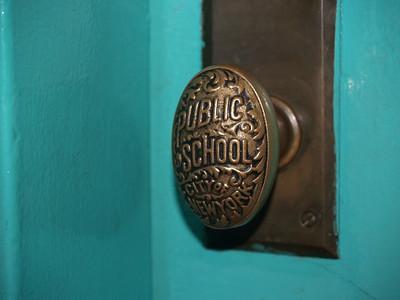 Doors [c]