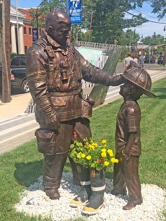 2016 Brian Hanlon Statues