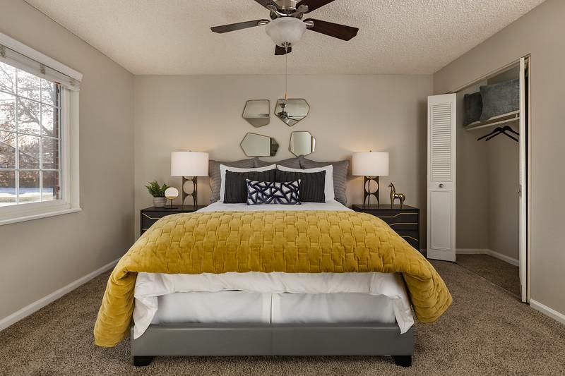 BLDG-AuroraHills-1BR-Bedroom-3739.jpg