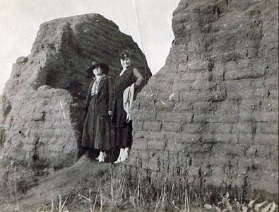 David and Hilie Photos 1915