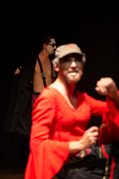 Allan Bravos - essenCIA Teatro - Persona 07-376.jpg