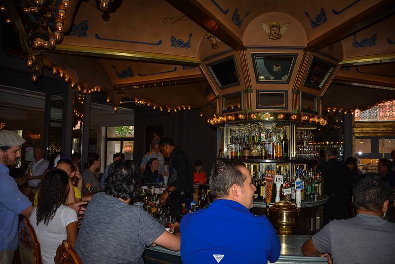 hotel monteleone carousel piano bar