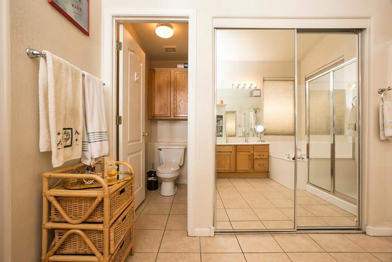 Bathroom 3a.jpg