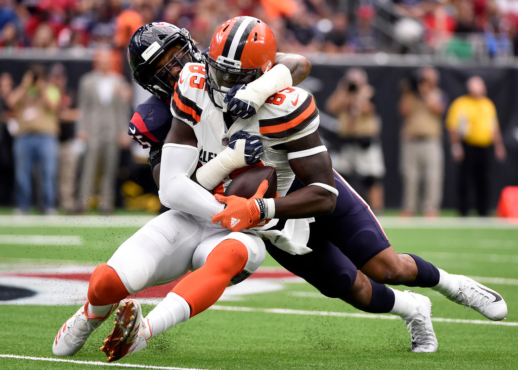 . Cleveland Browns tight end David Njoku (85) catches a pass and is stopped by Houston Texans linebacker Benardrick McKinney (55) in the first half of an NFL football game, Sunday, Oct. 15, 2017, in Houston. (AP Photo/Eric Christian Smith)